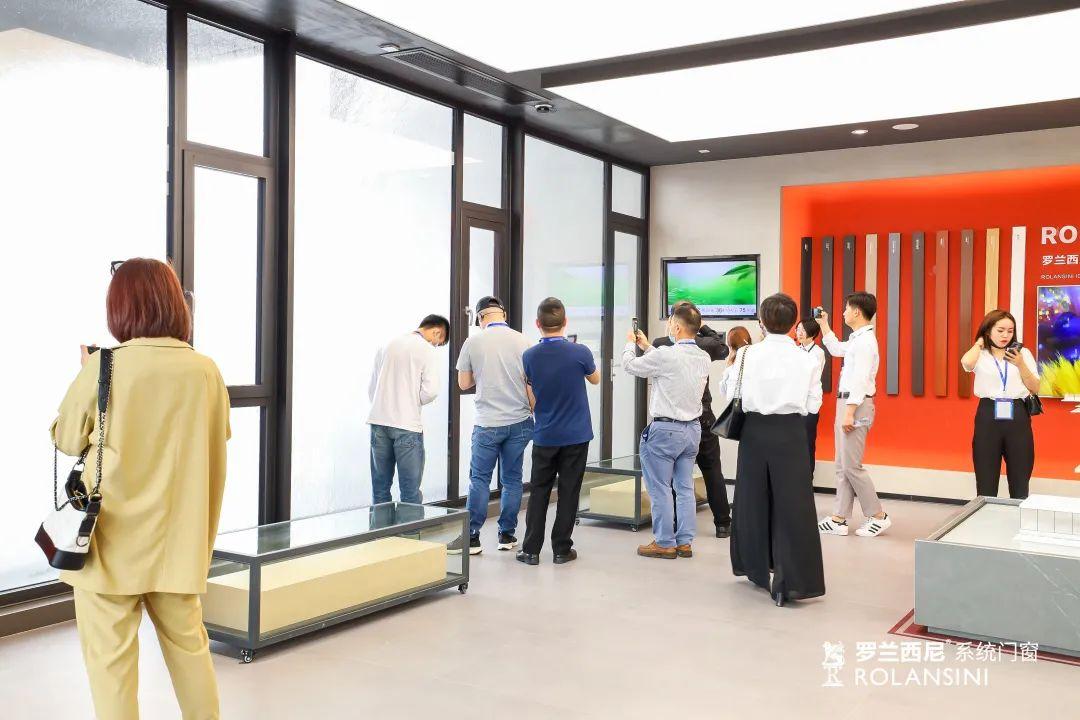 罗兰西尼5.0新零售高端门窗加盟连锁品牌体验展厅